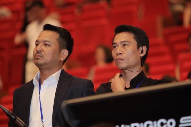 """Với Phạm Hoàng Giang, """"Đêm tình nhân"""" là sản phẩm âm nhạc đáng tự hào của tập thể hơn 250 người."""